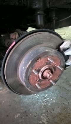 Статьи: Замена задних тормозных дисков на Toyota RAV 4